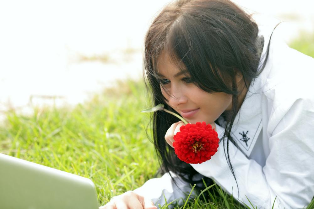 אוקיי קיופיד – איך להתחיל עם בחורה באתרי הכרויות